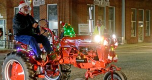 MESSENGER PHOTO/COURTNEY PATTERSON The City of Brundidge held its annual Christmas parade Tuesday, wrapping up the holiday parades for Pike County. More than 50 units participated in the parade that traveled through downtown Brundidge.