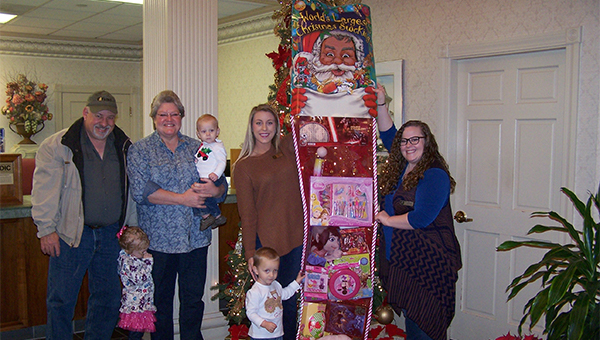giant-christmas-stocking-pike-dale-counties-2016