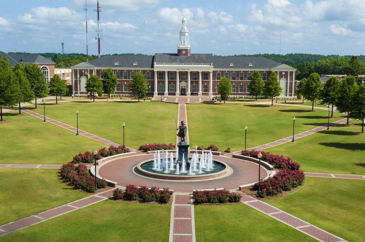 Photo of Facemasks and virtual events will greet Troy University students when they return in August – The Troy Messenger | Troy Messenger